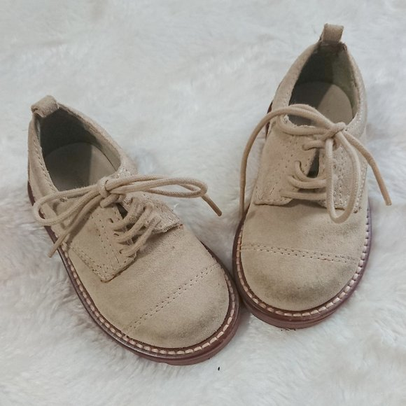 GAP Other - SUPER CUTE Gap dress up shoes